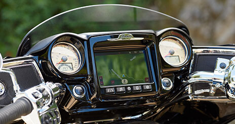 THE LARGEST TOUCHSCREEN ON TWO WHEELS